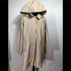 LL BEAN : woman's mesh lined rain jacket